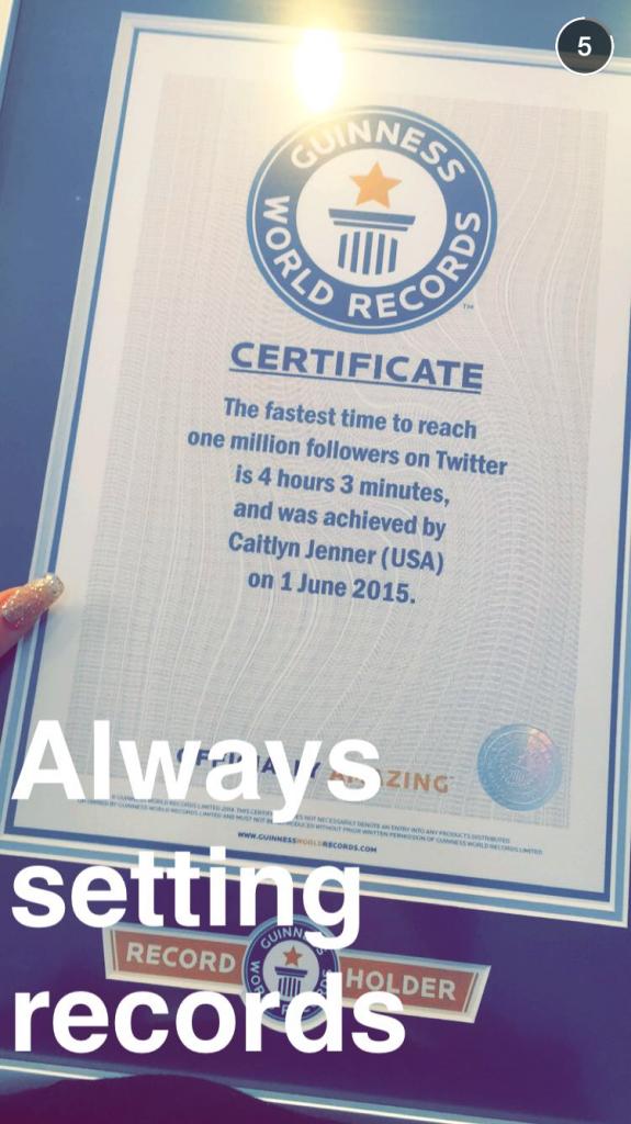 Caitlyn Jenner : C'est officiel, elle est dans le Guinness des records et Kylie est très fière d'elle !
