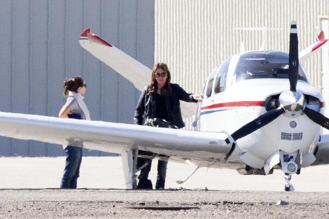 Caitlyn Jenner se change les idées en avion à Malibu