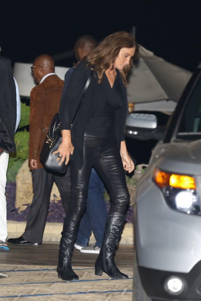 Caitlyn Jenner : Elle dégaine le pantalon en cuir pour aller dîner !