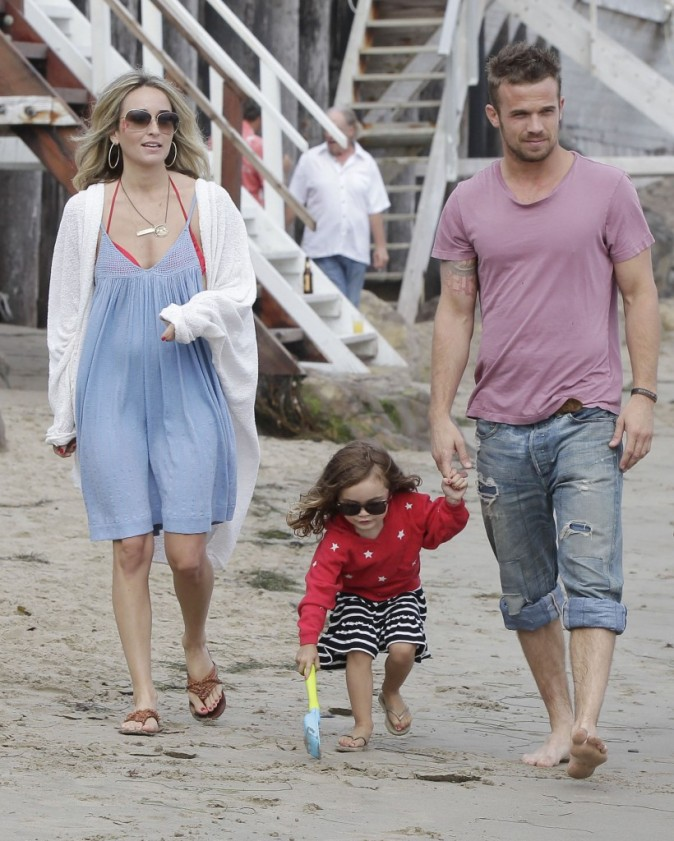 Cam Gigandet en famille à Malibu, le 4 juillet 2012.