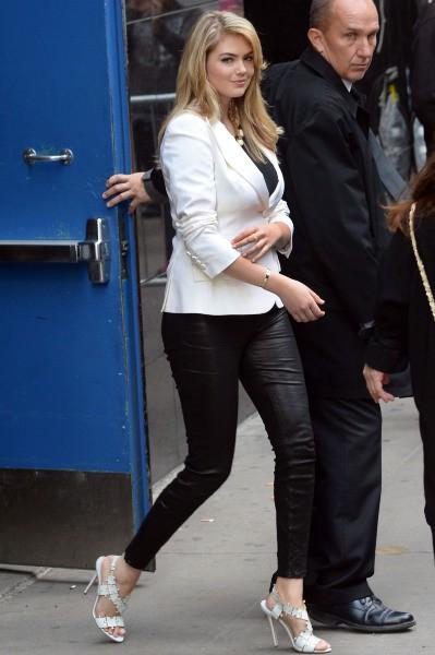 Kate Upton sur le plateau de Good Morning America à New York, le 23 avril 2014.