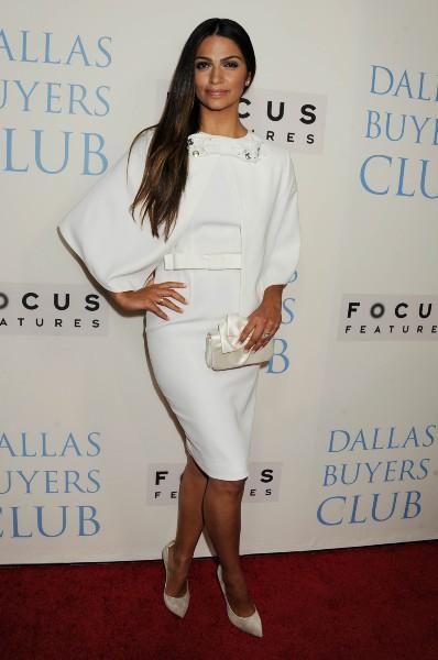 """Camila Alves lors de la première du film """"Dallas Buyers Club"""" à Beverly Hills, le 17 octobre 2013."""