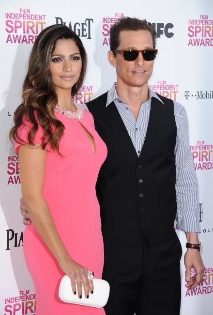 Camilla Alves et Matthew McConaughey le 23 février 2013 à Santa Monica
