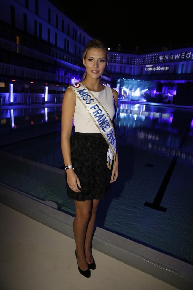 """Camille Cerf à la """"New Edge Nigh"""" organisée à la piscine Molitor le 15 septembre 2015"""