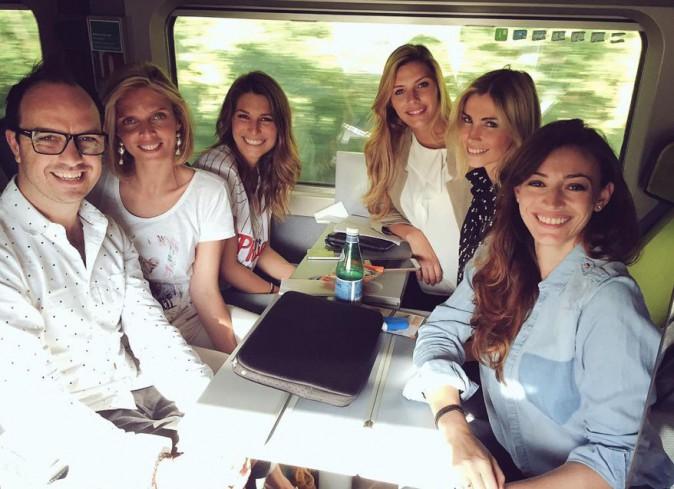 Camille Cerf, Sylvie Tellier, Laury Thilleman, Alexandra Rosenfeld, Rachel Legrain-Trapani et Jarry dans le train
