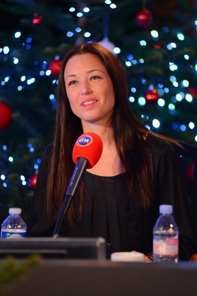 Natasha St-Pier à la matinale spéciale Noël de RFM le 19 décembre 2014