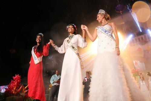Photos : Camille Cerf radieuse aux côtés des Miss Tahiti éblouissantes !