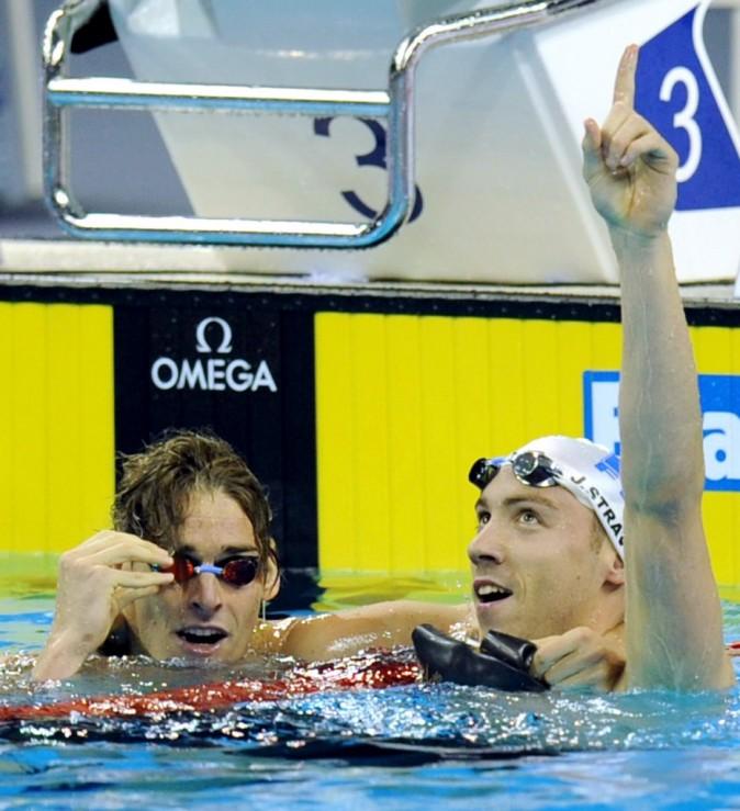 Camille Lacourt et Jérémy Stravius lors des championnats du monde de nation à Shanghai, le 26 juillet 2011.