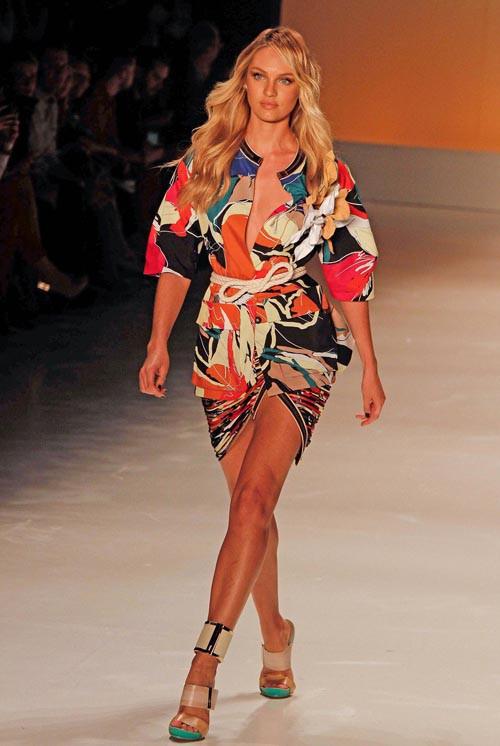 Candice Swanepoel à la Fashion Week de Sao Paulo le 3 avril 2014