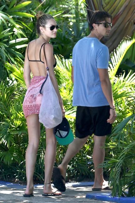 Candice Swanepoel le 25 mai 2013 à Miami
