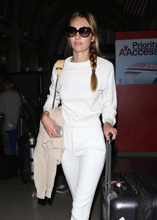 Candice Swanepoel à l'aéroport de Los Angeles le 13 mars 2013