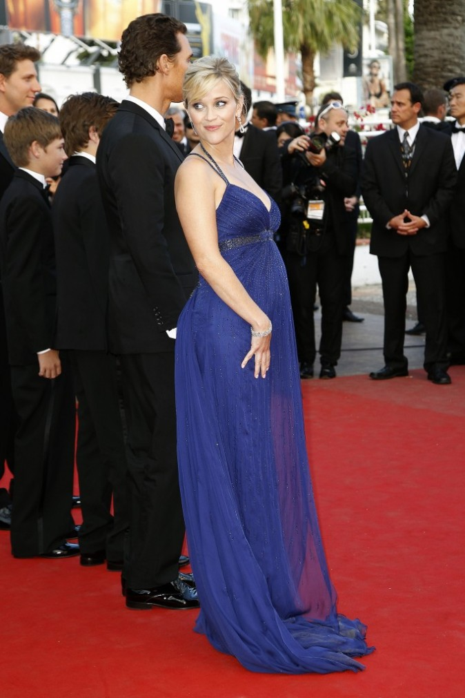 Photos : Cannes 2012 : Reese Witherspoon, une future maman rayonnante dans sa robe bleu nuit !
