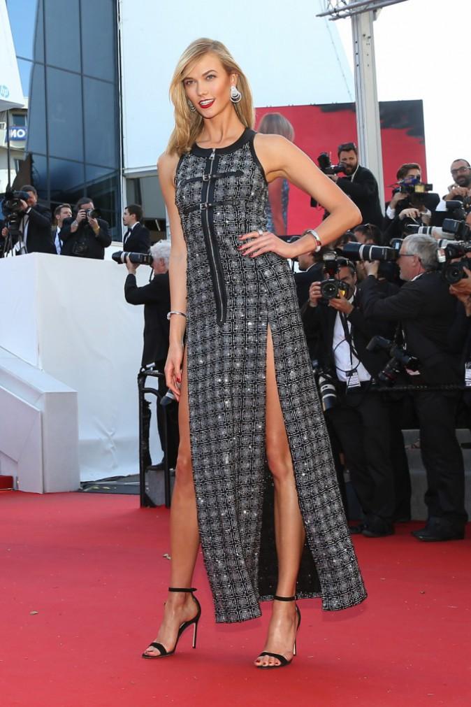 Photos : Cannes 2015 : Doutzen Kroes et Karlie Kloss : sourire ravageur et robe fendue pour les égéries L'Oréal !