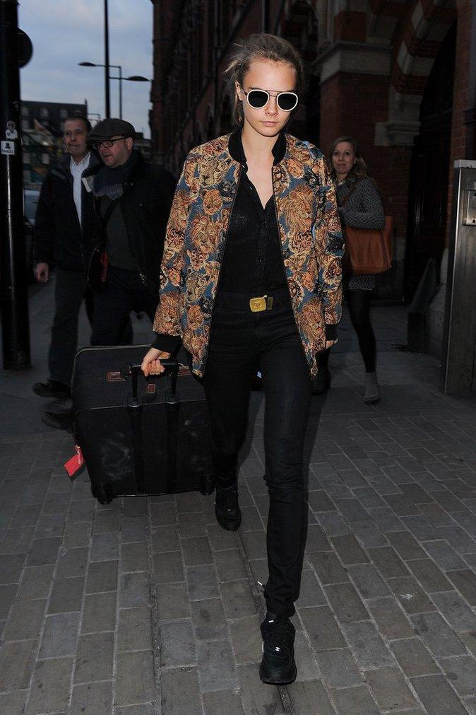 Cara Delevigne : elle débarque à paris avec sa petite amie St. Vincent