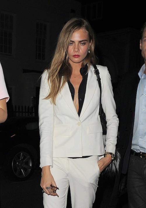 Photos : Cara Delevingne : fini les ados grunge, elle la joue femme fatale pour Karl Lagerfeld !