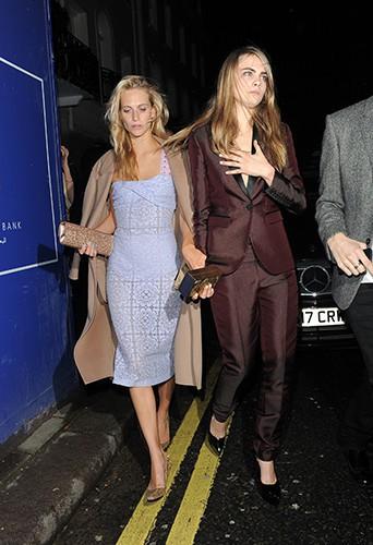 Poppy et Cara Delevingne à Londres le 15 février 2014
