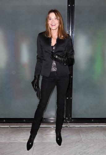 Photos : Carla Bruni : en extase pour Jean Paul Gaultier !