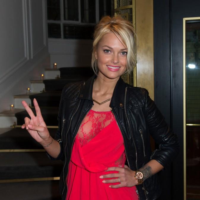 Caroline Receveur lors de la soirée Neo Burlesque à Paris, le 20 mars 2014.