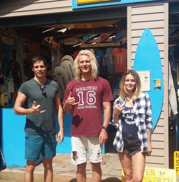 Photos : Caroline Receveur : surfeuse torride !