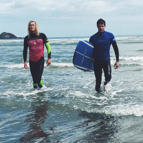 Photos : Caroline Receveur : surfeuse torride !