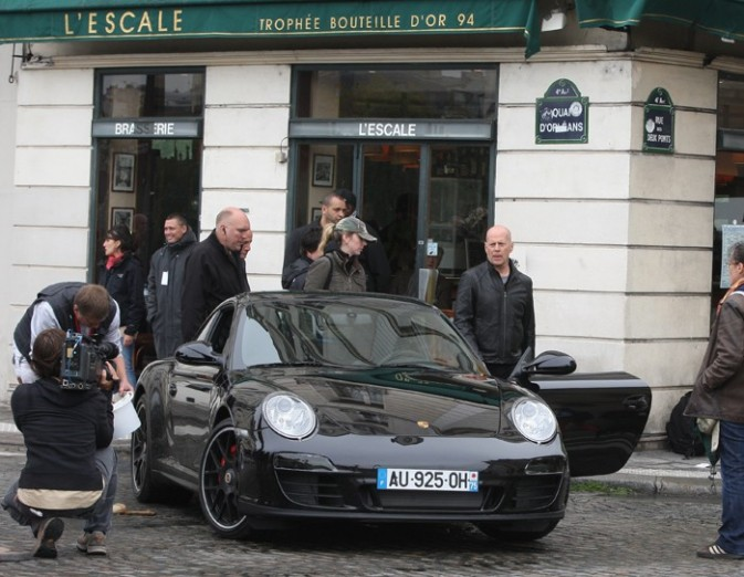 Bruce Willis sur le tournage de Red 2 à Paris
