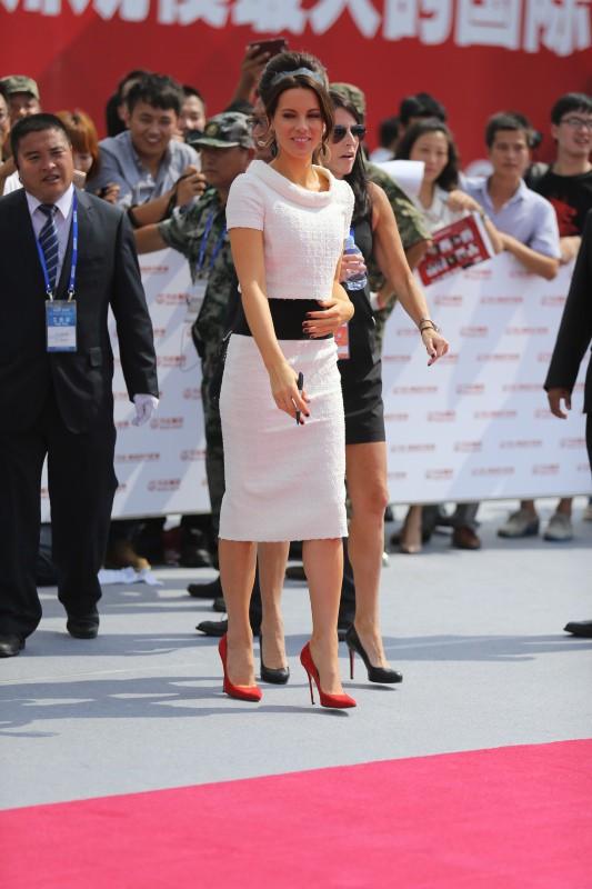 Kate Beckinsale lors de l'inauguration de l'Oriental Movie Metropolis Ceremony en Chine, le 22 septembre 2013.