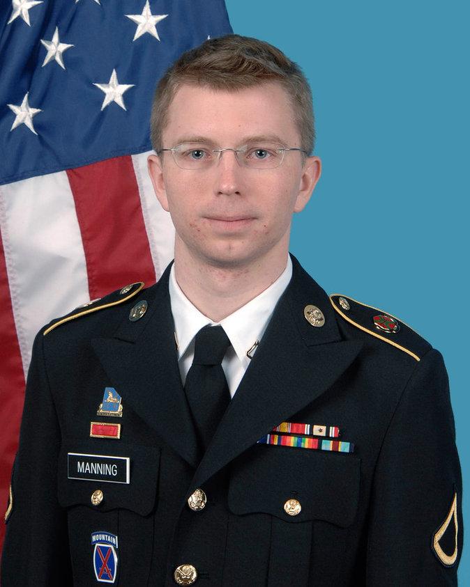 Le soldat Bradley Manning qui a révélé l'affaire Wikileaks est devenu...