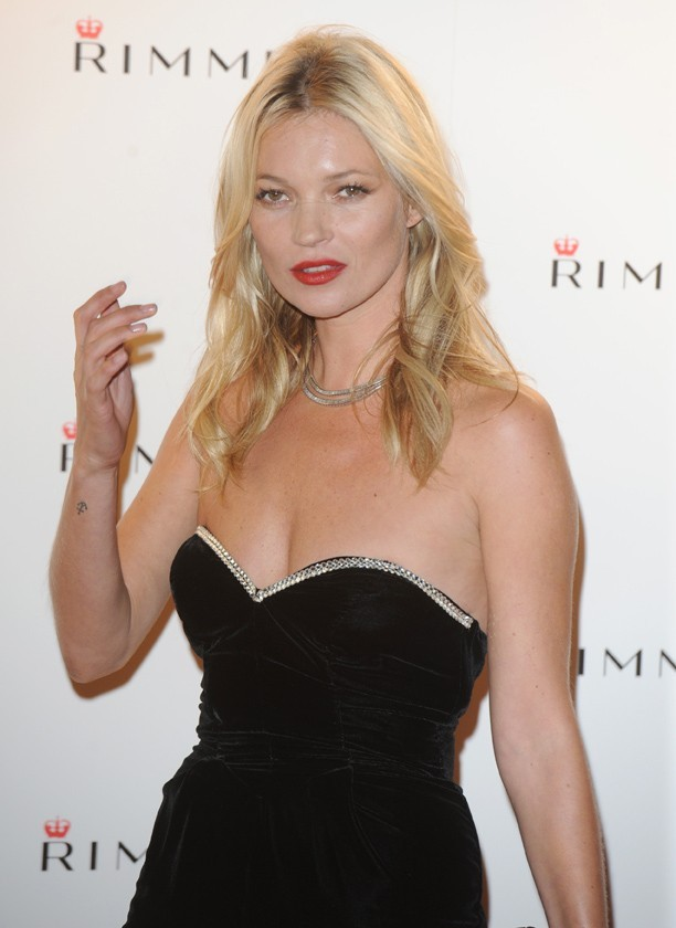 Kate Moss, reine du mini-tatouage !