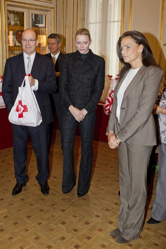 La famille de Monaco unie à la Croix Rouge
