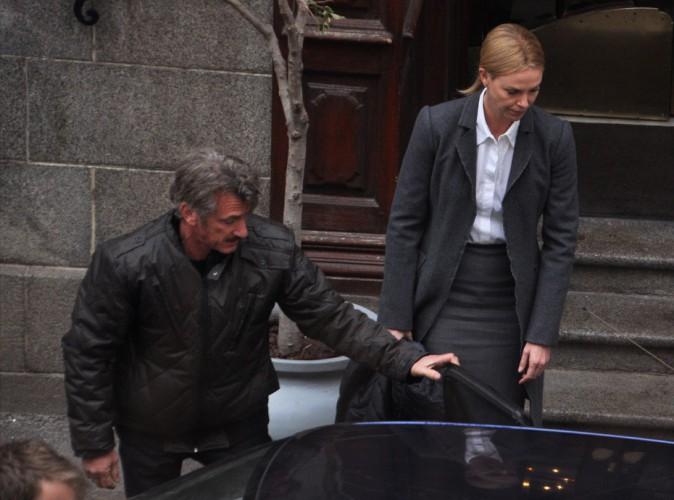 """Sean Penn et Charlize Theron sur le tournage de """"The Last Face"""""""