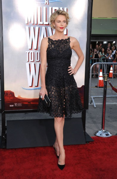 """Charlize Theron lors de la première du film """"A Million Ways to Die in the West"""" à Westwood, le 15 mai 2014."""