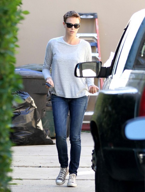Charlize Theron à West Hollywood le 17 janvier 2013