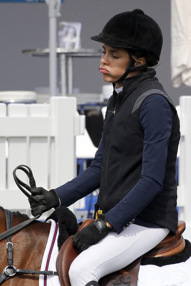 Charlotte Casiraghi au jumping de Chantilly le 17 juillet 2015