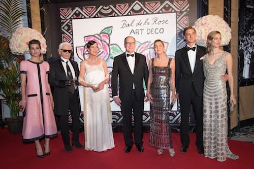 Charlotte Casiraghi, Karl Lagerfeld, Caroline de Monaco, Albert de Monaco, Pierre Casiraghi et sa compagne au 61ème Bal de la Rose à Monaco, le 28...