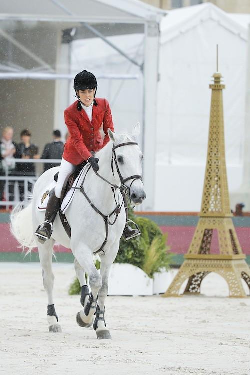 Photos : Charlotte Casiraghi : une cavalière concentrée mais toujours aussi radieuse à Paris !