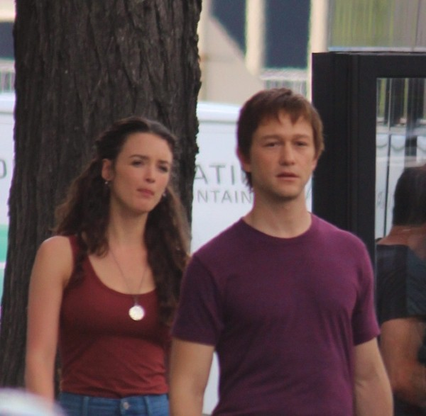 Charlotte le Bon et Joseph Gordon-Levit : ensemble sur le tournage du film To reach the Clouds !