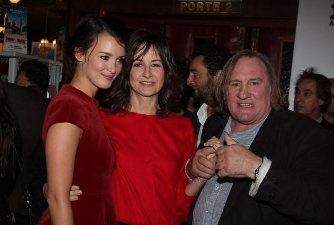 Charlotte Le Bon, Valérie Lemercier et Gérard Depardieu le 30 septembre 2012 à Paris