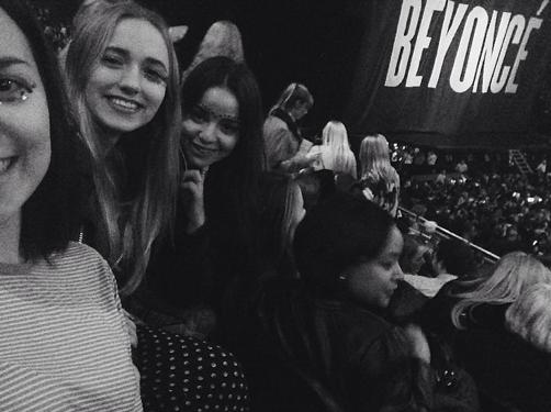Chloé Jouannet joue les groupies au concert de Beyoncé !