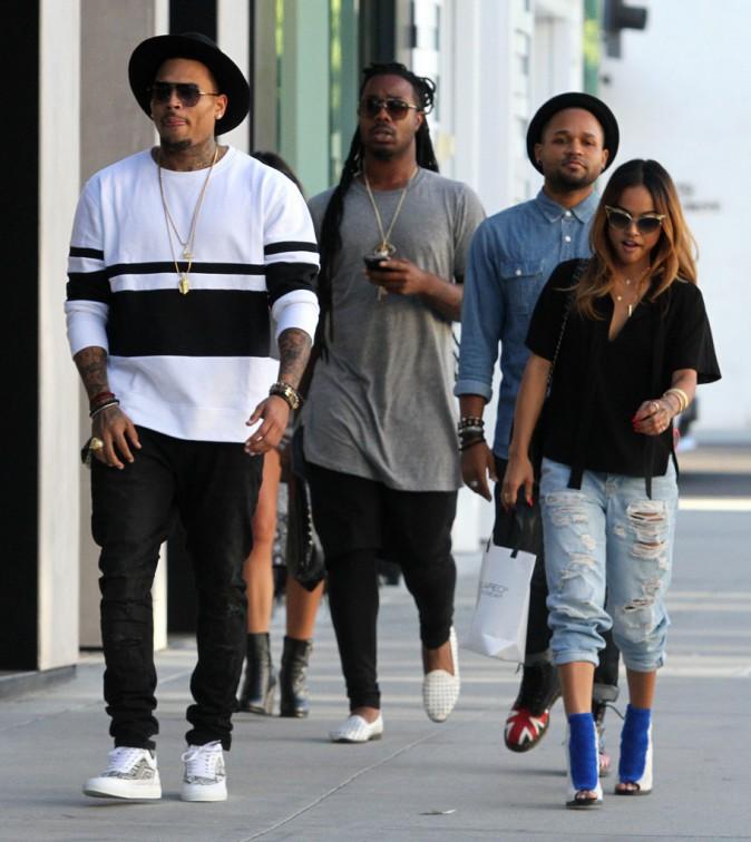 Photos : Chris Brown et Karrueche Tran : virée shopping en amoureux !
