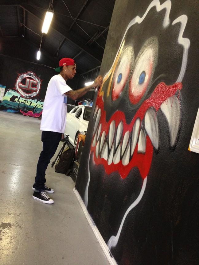 Chris Brown est aussi amateur de graffiti !