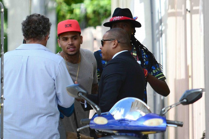 Chris Brown : il prend les murs de Miami comme tableau !