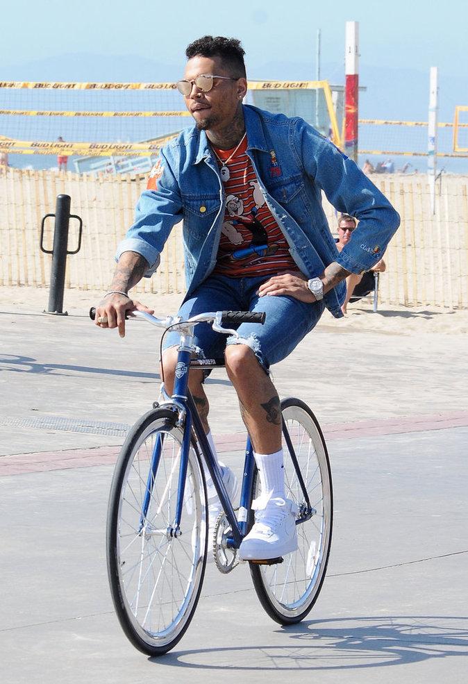 Photos : Chris Brown pédale dur avant la sortie de son documentaire !