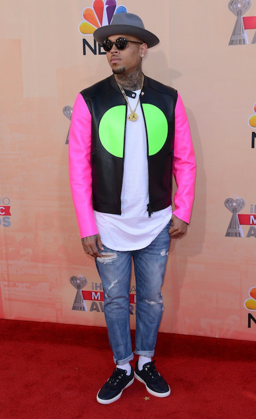 Photos : Chris Brown : serein pour un premier tapis rouge depuis le scandale !