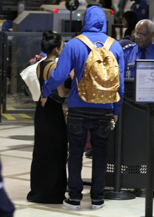 Chris Brown et sa girlfriend Karrueche Tran à l'aéroport de Los Angeles, le 9 août 2011.