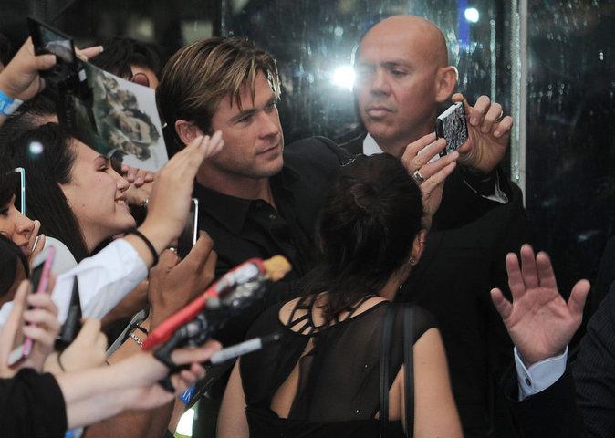 Photos : Chris Hemsworth a repris du poil de la bête !