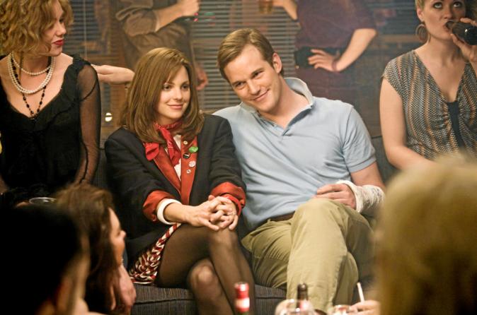 2011, Il rencontre Anna Faris, sur le tournage du navet Une soirée d'enfer, en 2007, et l'épouse deux ans plus tard.