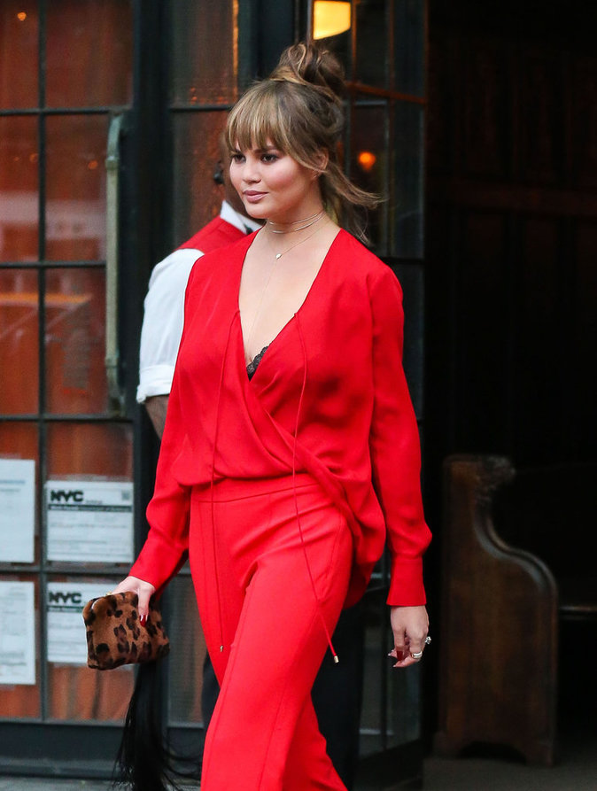 Chrissy Teigen dans les rues de New York ce vendredi 16 septembre