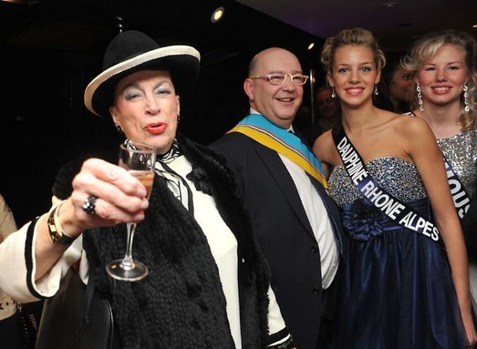 Geneviève de Fontenay et Christelle Roca font la fête à Paris le 9 décembre 2012