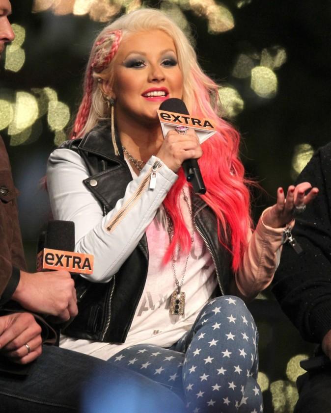 Christina Aguilera en promo sur le plateau de l'émission Extra à Los Angeles, le 5 novembre 2012.