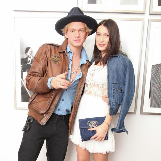 Cody Simpson et Bella Hadid le 12 février 2015